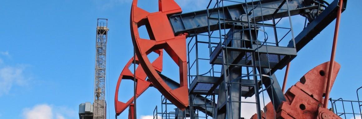 Поднять цены на бензин на 4-5 рублей просят нефтяники