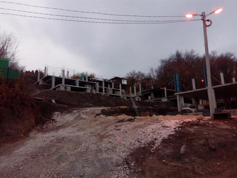 Толкачёв обнаружил незаконную стройку на волжском склоне в Ульяновске?