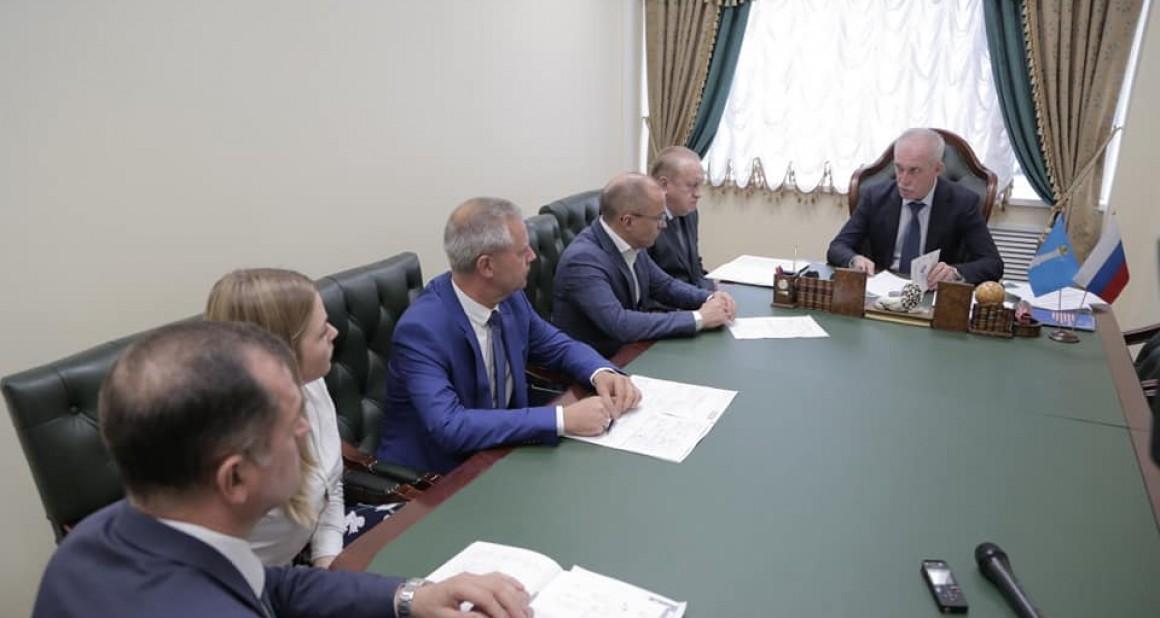 Сергей Морозов сократил себе зарплату на ~525 000 рублей