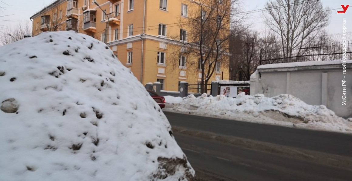 Коммунальщики при уборке снега создают аварийную обстановку на дорогах