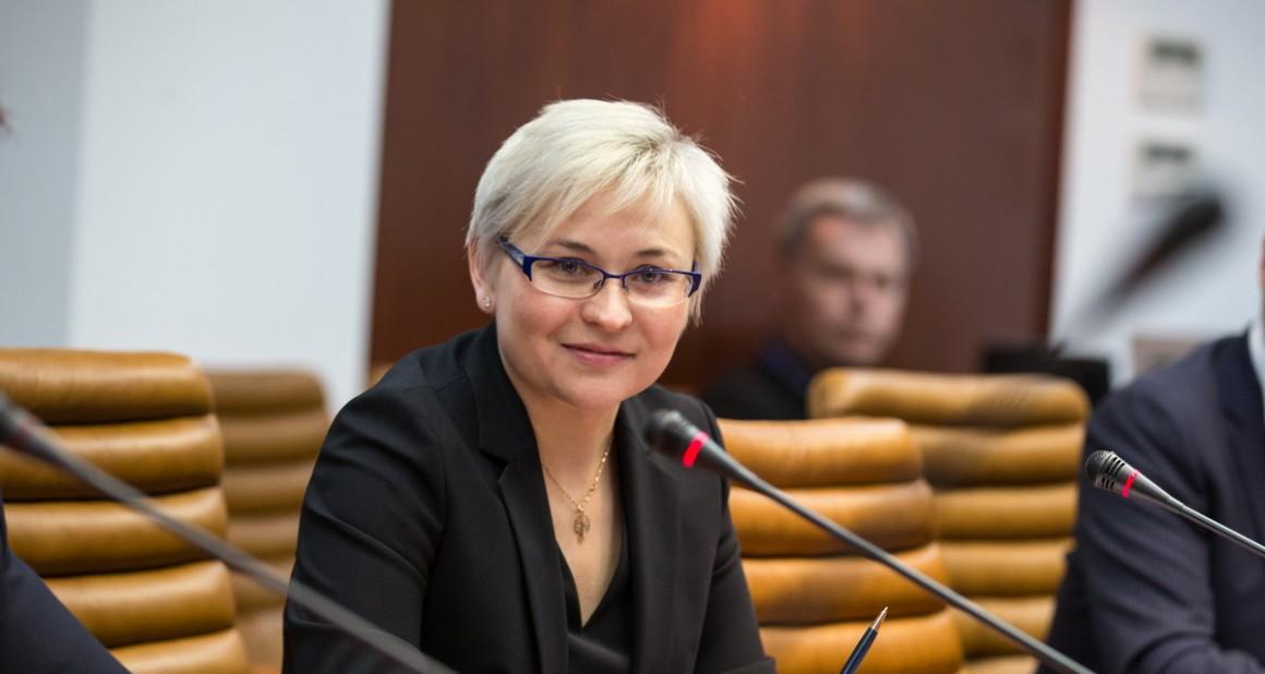 Сажать за неуважение к власти предложили чиновники Госдумы и Совфеда