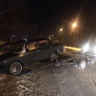 Эвакуируют автомобили, препятствующие уборке дорог
