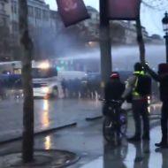 Более 2000 человек вышли на протесты против цен на бензин. Более 97 задержаны