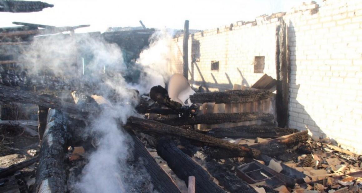 Пожар унес жилье у семьи в Ульяновской области. Требуется помощь!