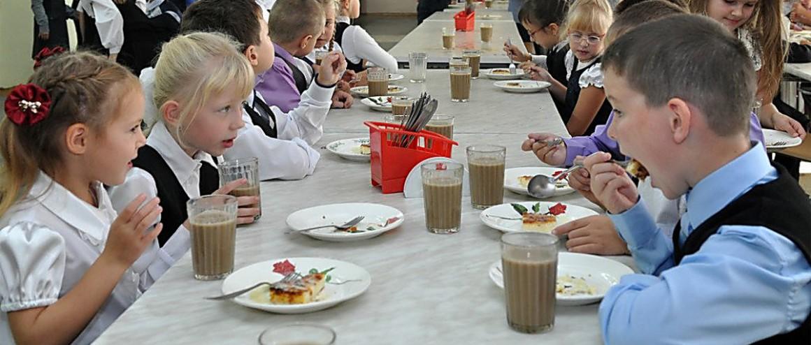Запретить домашнюю еду в школьных столовых планирует Роспотребнадзор