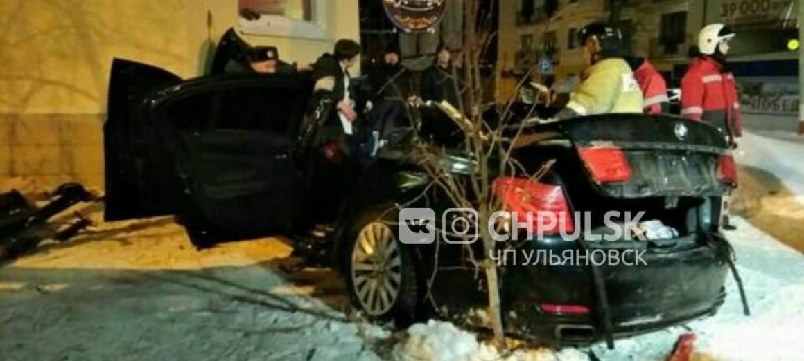 Водитель разбившейся на ул. Гончарова БМВ Х750 был лишен прав