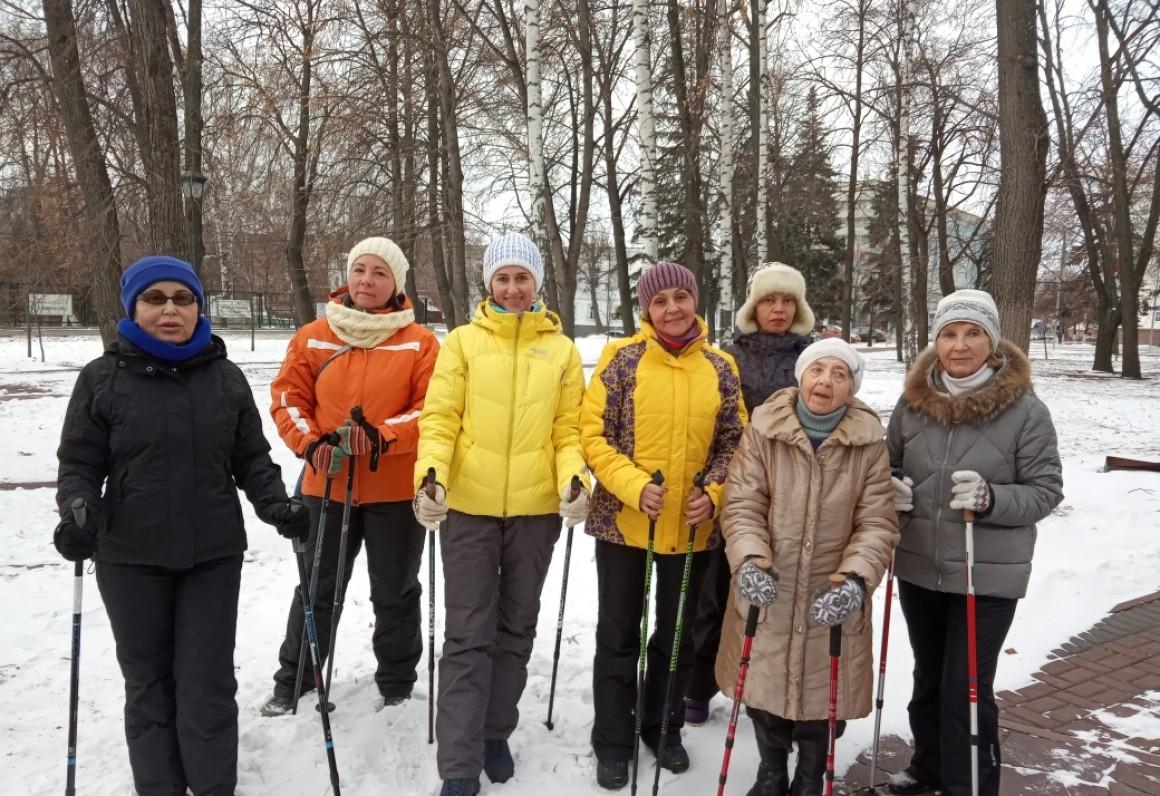 Начался зимний сезон по скандинавской ходьбе. Бесплатное обучение
