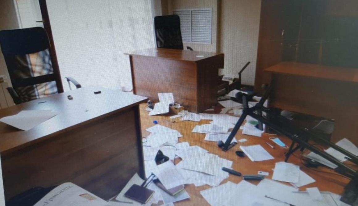 В Ульяновске пьяный мужчина разгромил офис в центре города