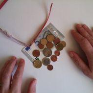 Единовременные выплаты пенсионерам: кто имеет право их получить