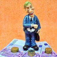 Олигархи заставили Силуанова отступить от обсуждения законопроекта о налоговом резидентстве?