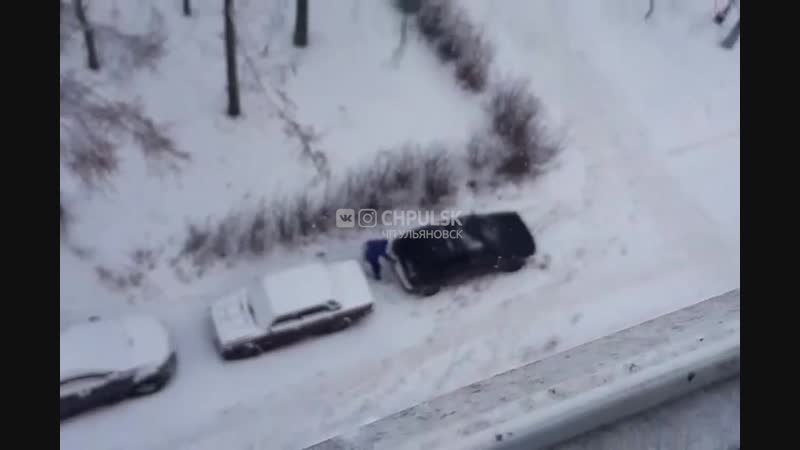 Сливают бензин в Засвияжье Ульяновск