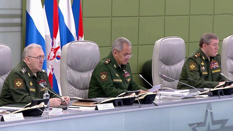 В России начались плановые контрольные проверки боевой готовности Вооруженных сил.