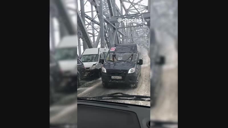 Сильное ДТП на Императорском мосту