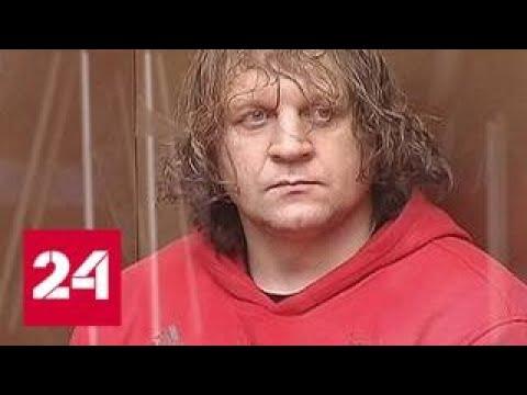 Александр Емельяненко пытался пьяным уехать от полицейских на золотом мерседесе