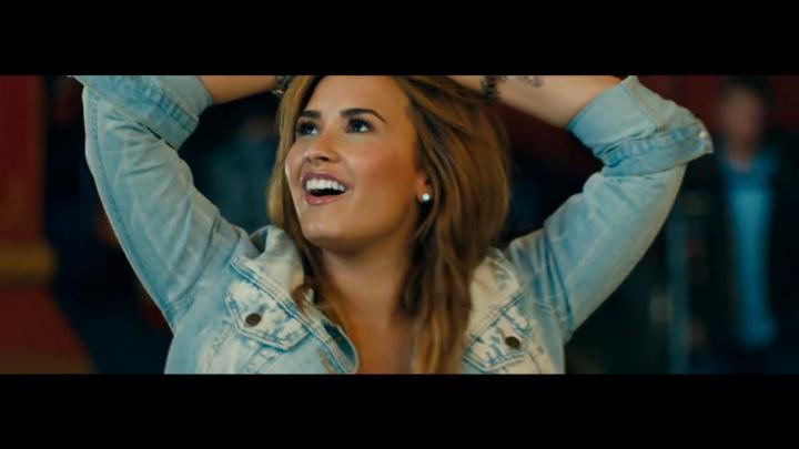Музыкальный клип Demi Lovato - Made in the USA