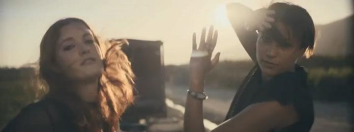 Видеоклип: Icona Pop - Girlfriend