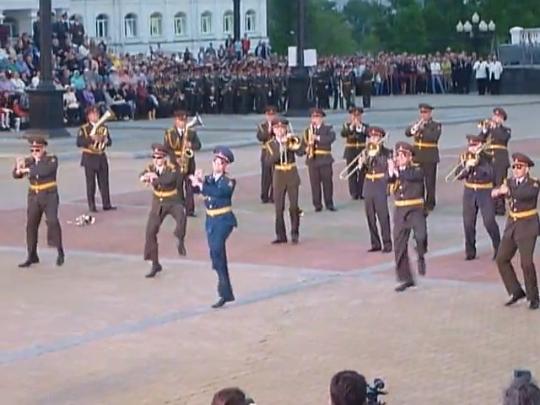 Видеоклип: Леди Гага и Gangnam Style в исполнении военного оркестра в Хабаровске