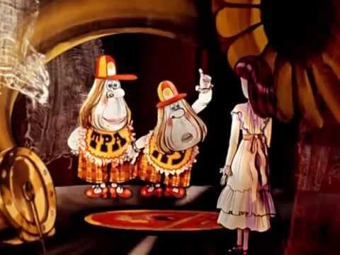 Смотреть мультфильм Алиса в Зазеркалье (3 мультфильм)